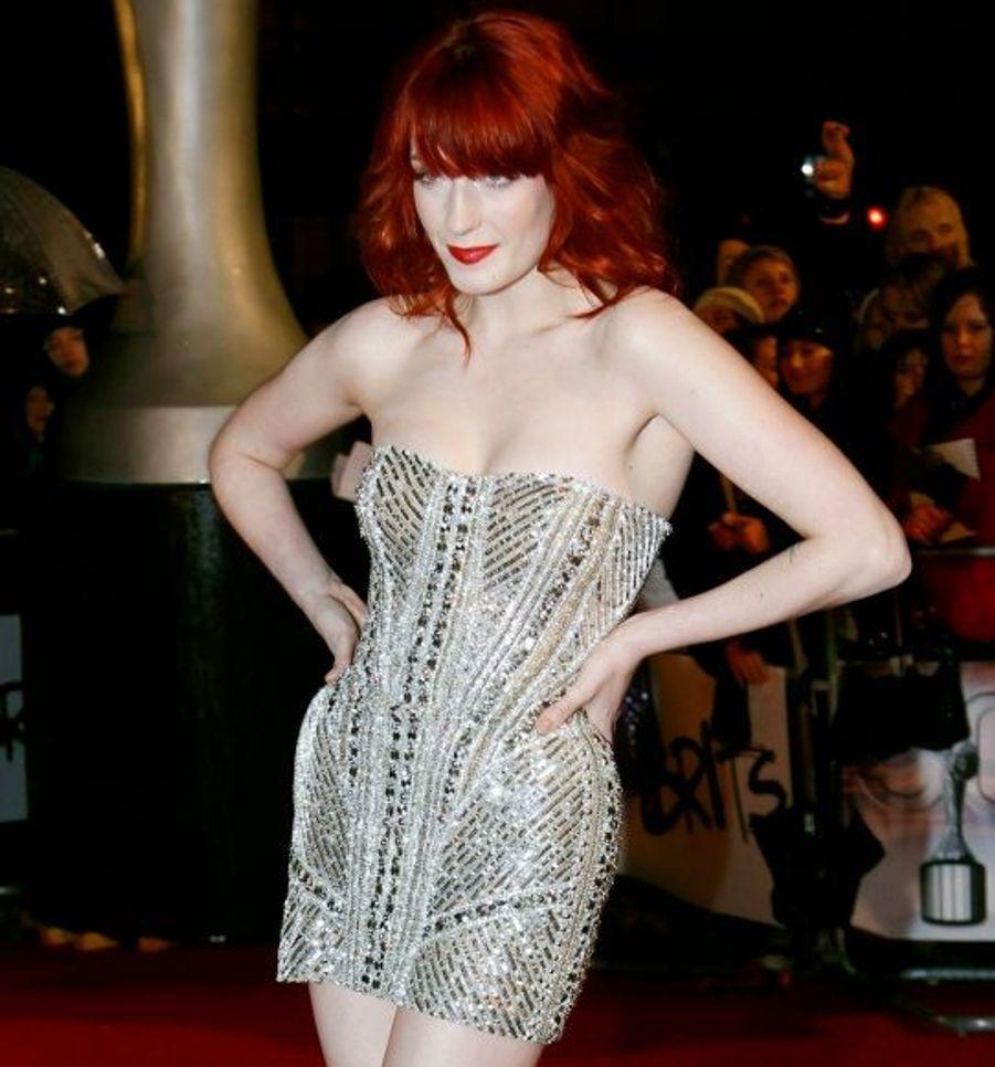 La chanteuse britannique de Florence and the Machine gagne la récompense du meilleur album britannique de l'année pour l'excellent Lungs.