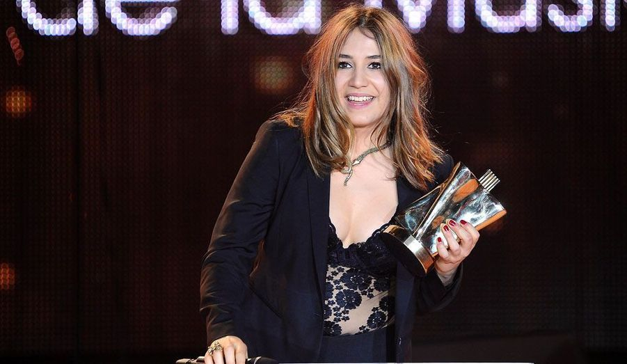 La jeune Izia repart avec la Victoire de l'album rock pour «So Much Trouble».