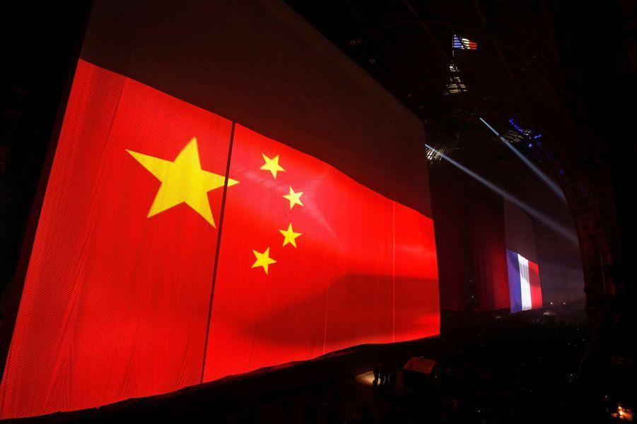 La soirée marquait le 50e anniversaire des relations franco-chinoises. En 1963, la France du Général de Gaulle avait été la première à tendre la main à la Chine de Mao Zedong.