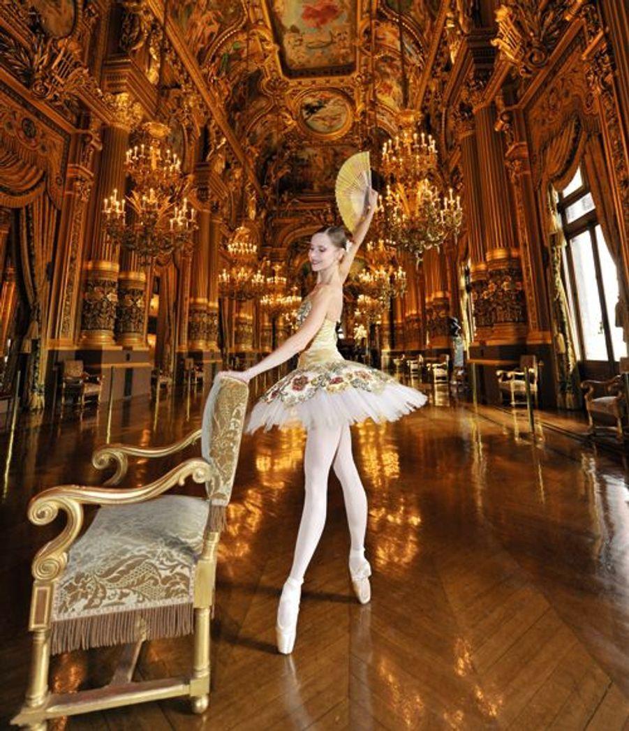 Etoile depuis 2002, elle conjugue ballet et maternité, avec deux enfants de 5 ans et 19 mois : « La mère nourrit l'univers de la danseuse, et inversement. »
