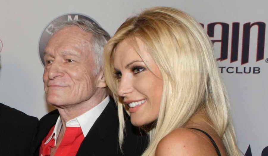 Le fondateur du magazine Playboy, Hugh Hefner et sa petite amie, le mannequin anglo-américain et chanteuse Crystal Harris vont se marier. C'est l'homme de 84 ans qu'il l'a annoncé sur son Twitter: Nous nous sommes fiancés le 24 décembre, a-t-il écrit. La jeune femme est âgée de 24 ans.