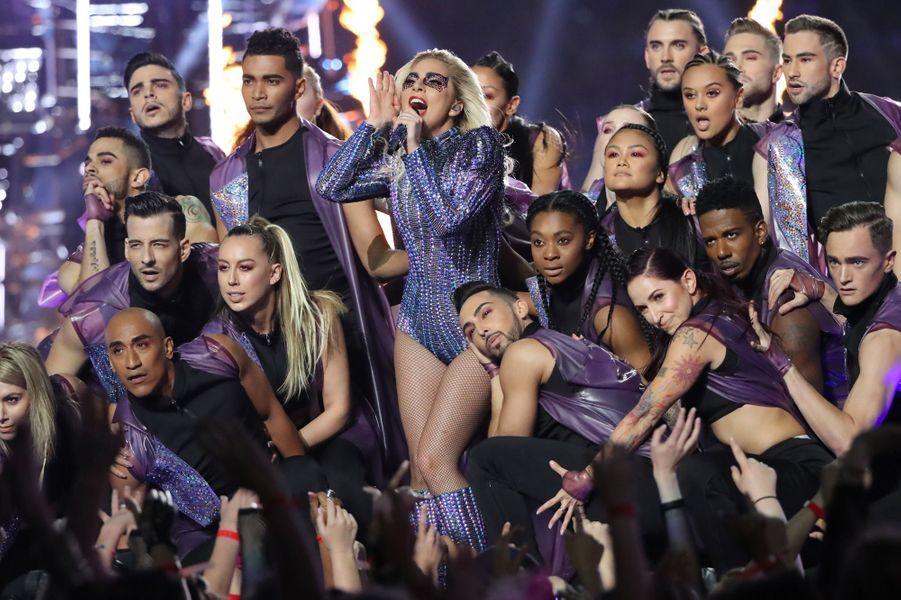 Lady Gaga en enflammé la finale du Super Bowl.