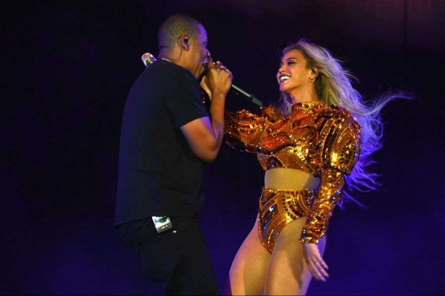 Beyoncé et Jay Z sur la scène du Met Life Stadium (New Jersey)