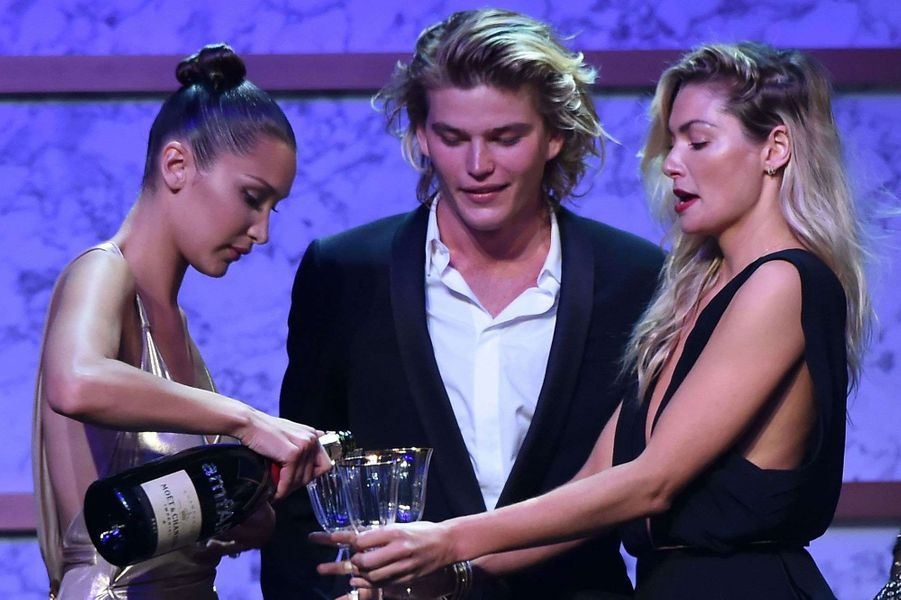 Bella Hadid, Jordan Barrett et Jessica Hart