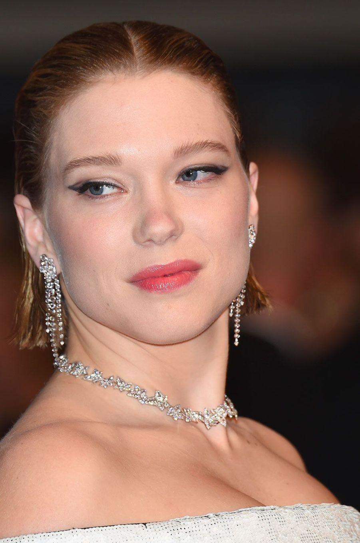 Léa Seydoux monte les marches à Cannes le 15 mai 2018