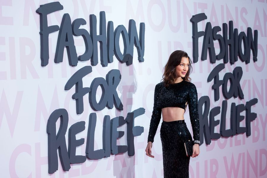 Bella Hadid au défilé Fashion For Relief à Cannes le 13 mai 2018