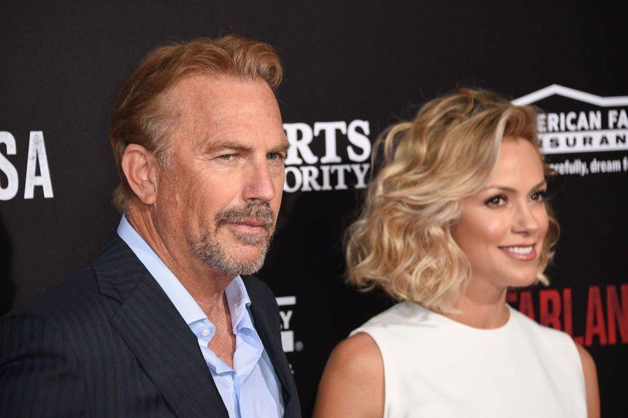 Christine Baumgartner (42) et Kevin Costner (61)
