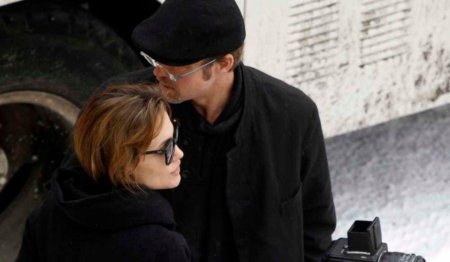 En novembre 2010. Brad est venu soutenir sa douce sur le tournage de son premier film, Au pays du sang et du miel, en Hongrie.