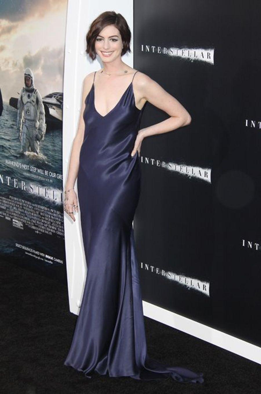 Anne Hathaway à Los Angeles le 26 octobre 2014