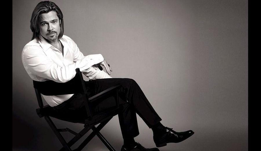A48 ans, Brad Pitt a prouvé qu'il avait un physiqueà se damner, mais bien plus encore. Aprèsles apparitions dans des feuilletons télé et lesrôles de jeune premier, l'apollon du Missouriasu s'imposer comme un acteur à part entière,tournant avec les frères Coen, QuentinTarantinoou Terrence Malick, aussi à l'aise dans lescomédies que dans des films dramatiques.