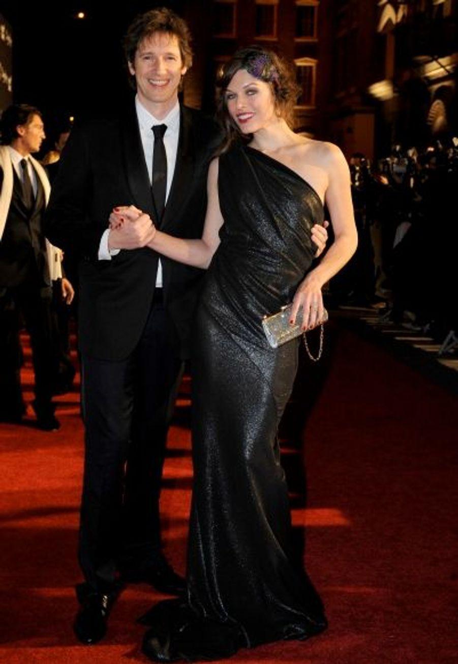Avec son compagnon, Paul Anderson, père de sa fille Ever, 15 mois, Milla Jovovich a la famille dont elle rêvait.