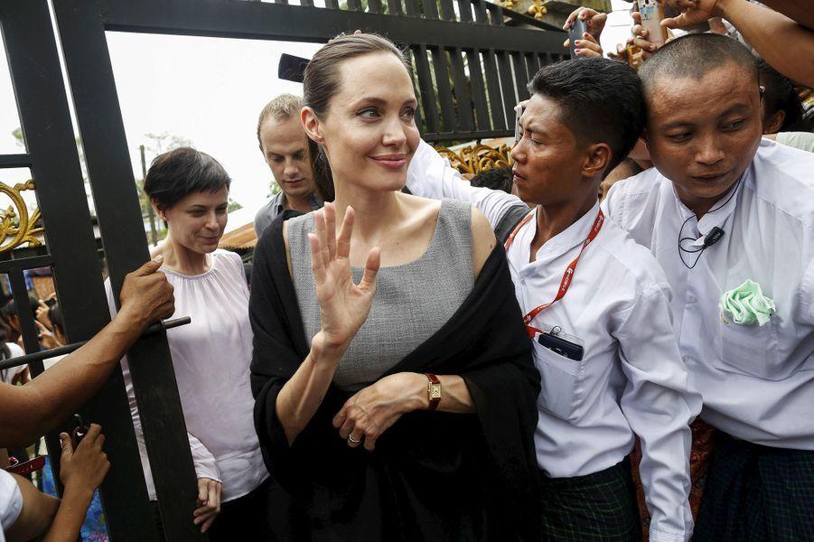 Angelina Jolie à Rangoun le 1er août 2015