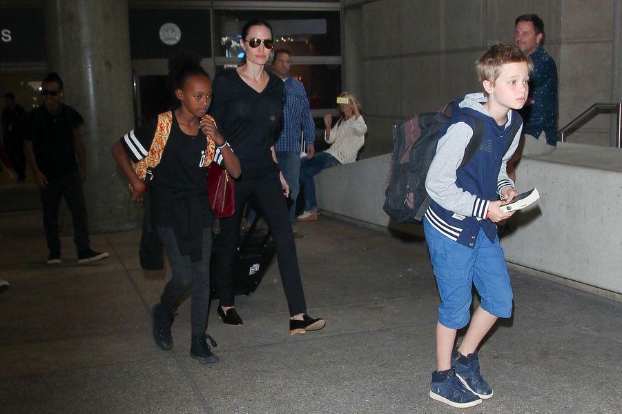 Angelina Jolie avec ses filles Zahara et Shiloh