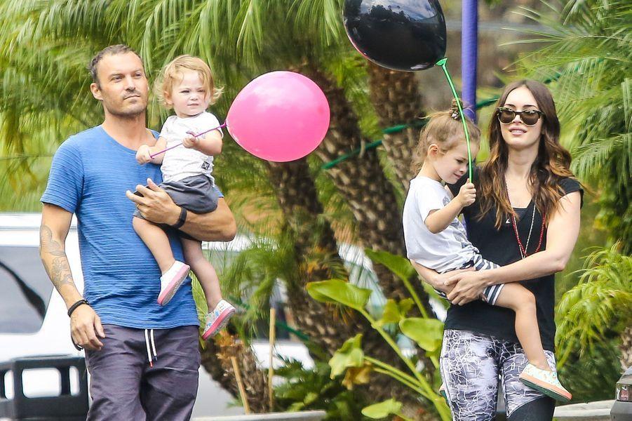 Brian Austin Green, Megan Fox et leurs deux enfants à Los Angeles le 14 septembre 2015