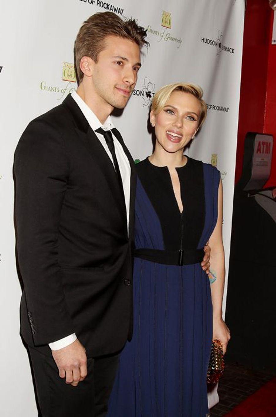 Hunter et Scarlett Johansson à New York le 18 novembre 2014