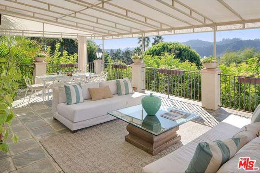 L'ancienne maison de Mark Wahlberg est en vente pour 28,2 millions d'euros. Le comédien avait vendu la maison en 2013 pour 12,2 millions de dol...