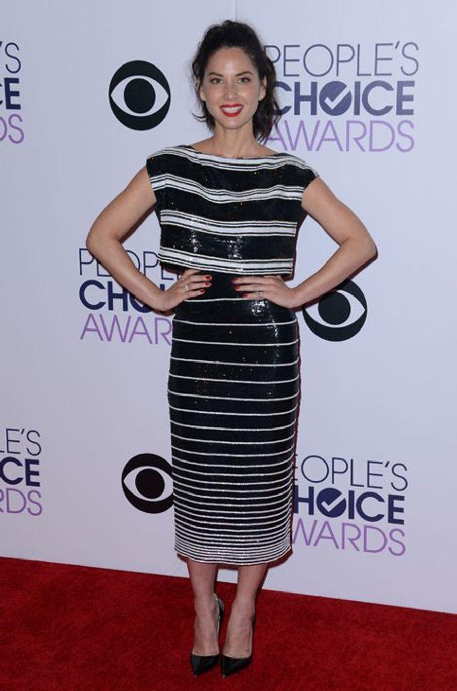 Olivia Munn en Giambattista Valli aux People's Choice Awards, en janvier 2015