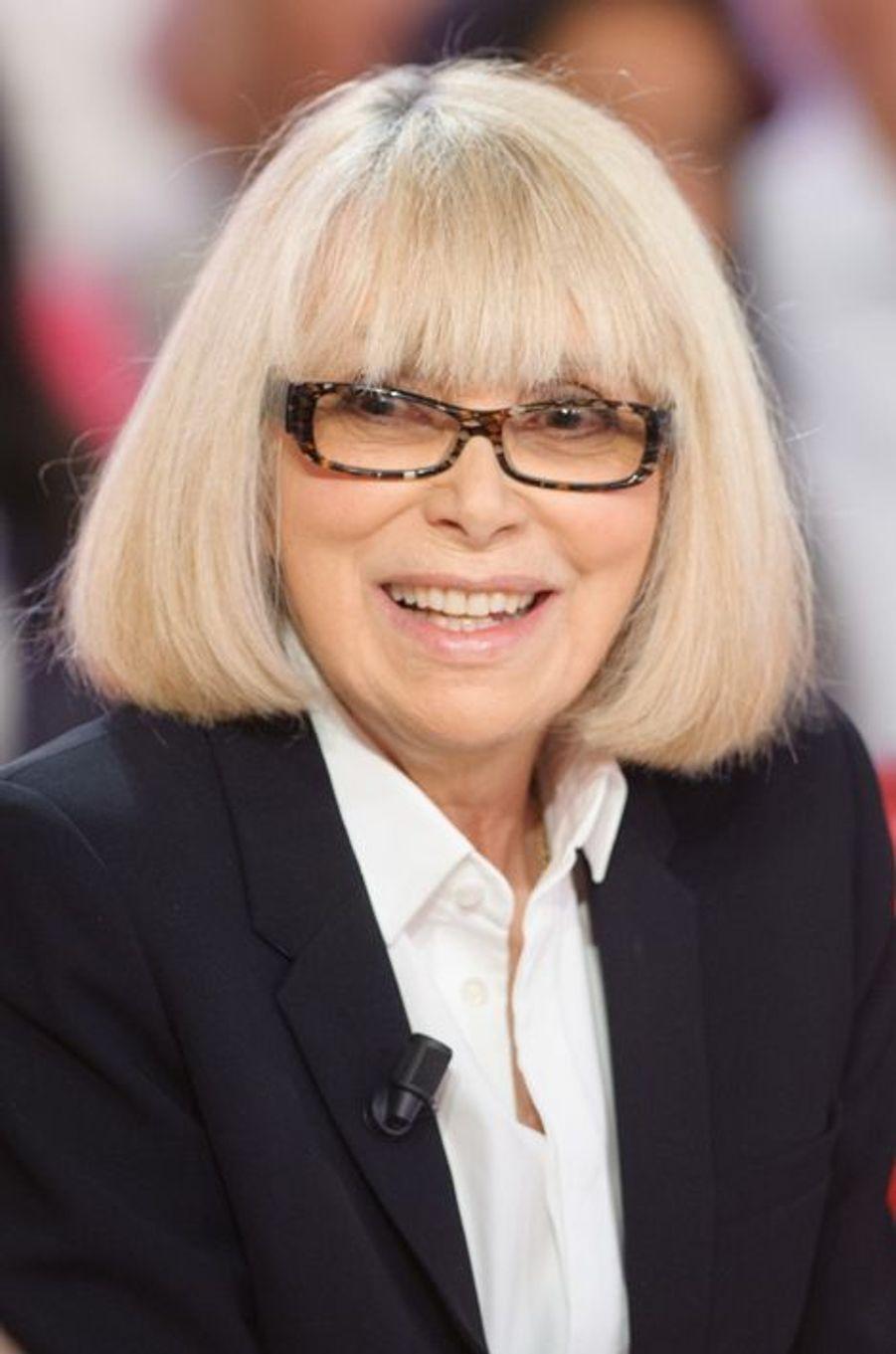 """Mireille Darc lors de l'enregistrement de """"Vivement Dimanche"""" Pierre Richard, le 6 mai 2015"""