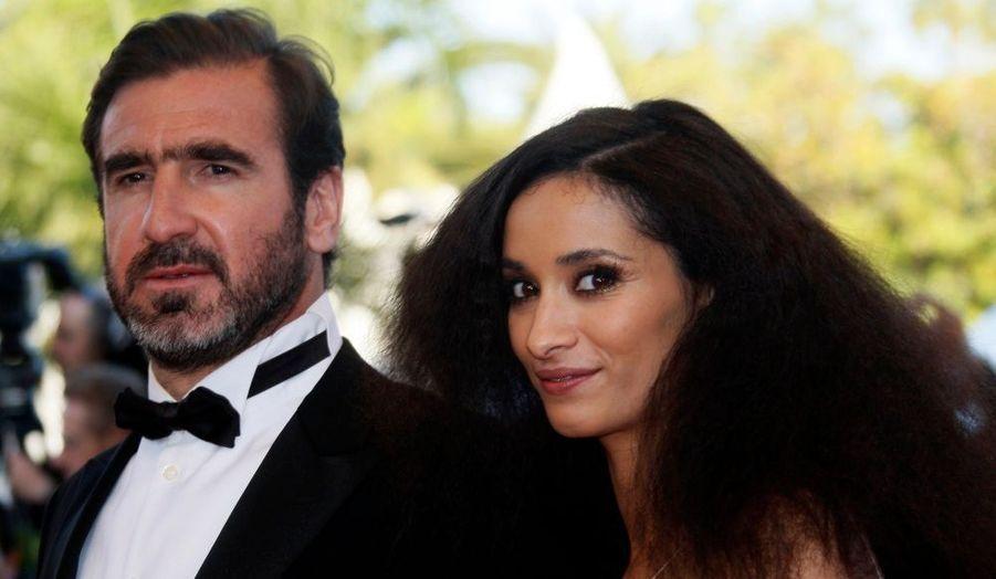 Selon le Parisien, l'actrice Rachida Brakni, marié depuis deux ans et demi à Eric Cantona, aurait accouché ce week-end d'un petit garçon. Prénommé Emir, il est le premier enfant du couple, mais le troisième pour l'ancienne star du ballon rond, déjà père de deux enfants nés d'une précédente union.