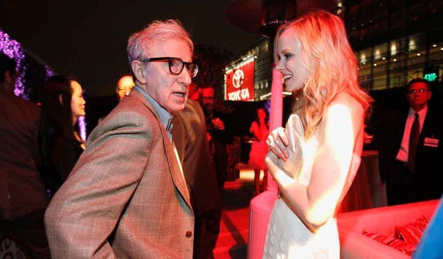 Woody Allen discutant avec Alison Pill