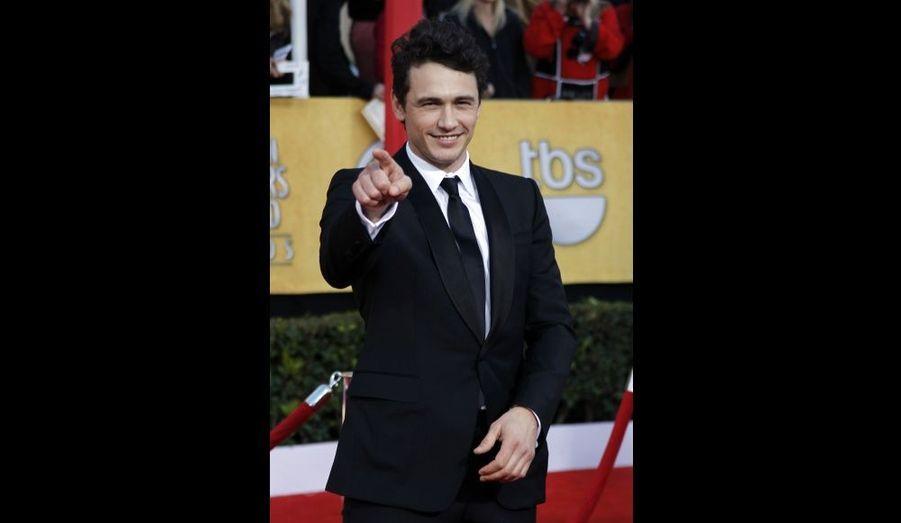 L'acteur de «127 heures» s'entraîne pour les Oscars, où il est nominé… et présentateur de la soirée, aux côtés d'Anne Hathaway.
