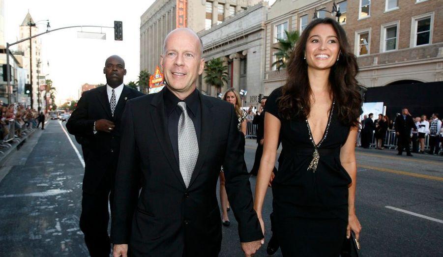 Bruce Willis et sa nouvelle épouse, Emma Heming, ont assisté à l'avant-première du dernier film d'action de Bruce Willis, The Surrogates.