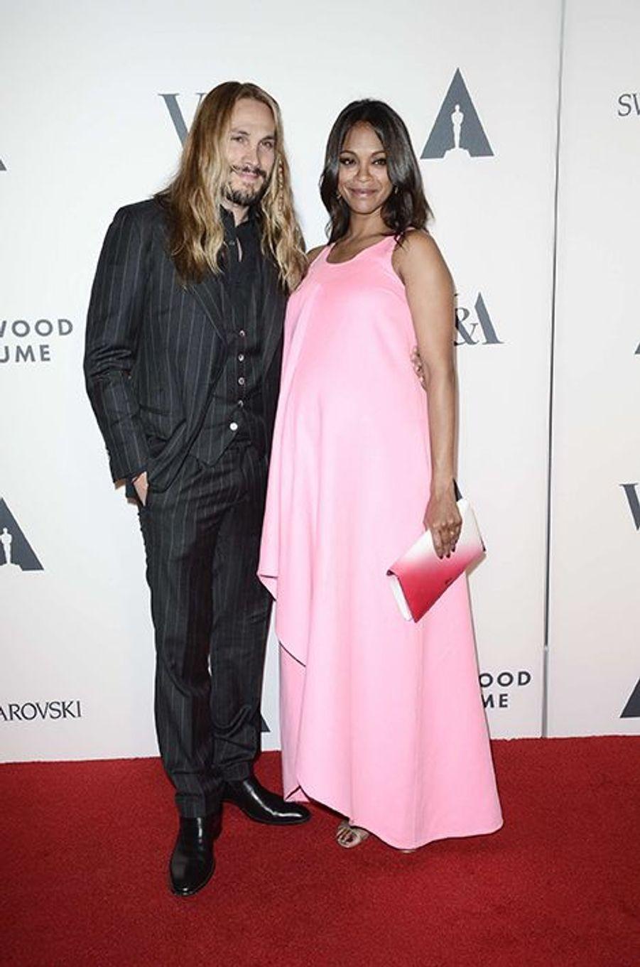 Zoe Saldana au bras de son mari Marco Perego à Los Angeles le 1er octobre 2014