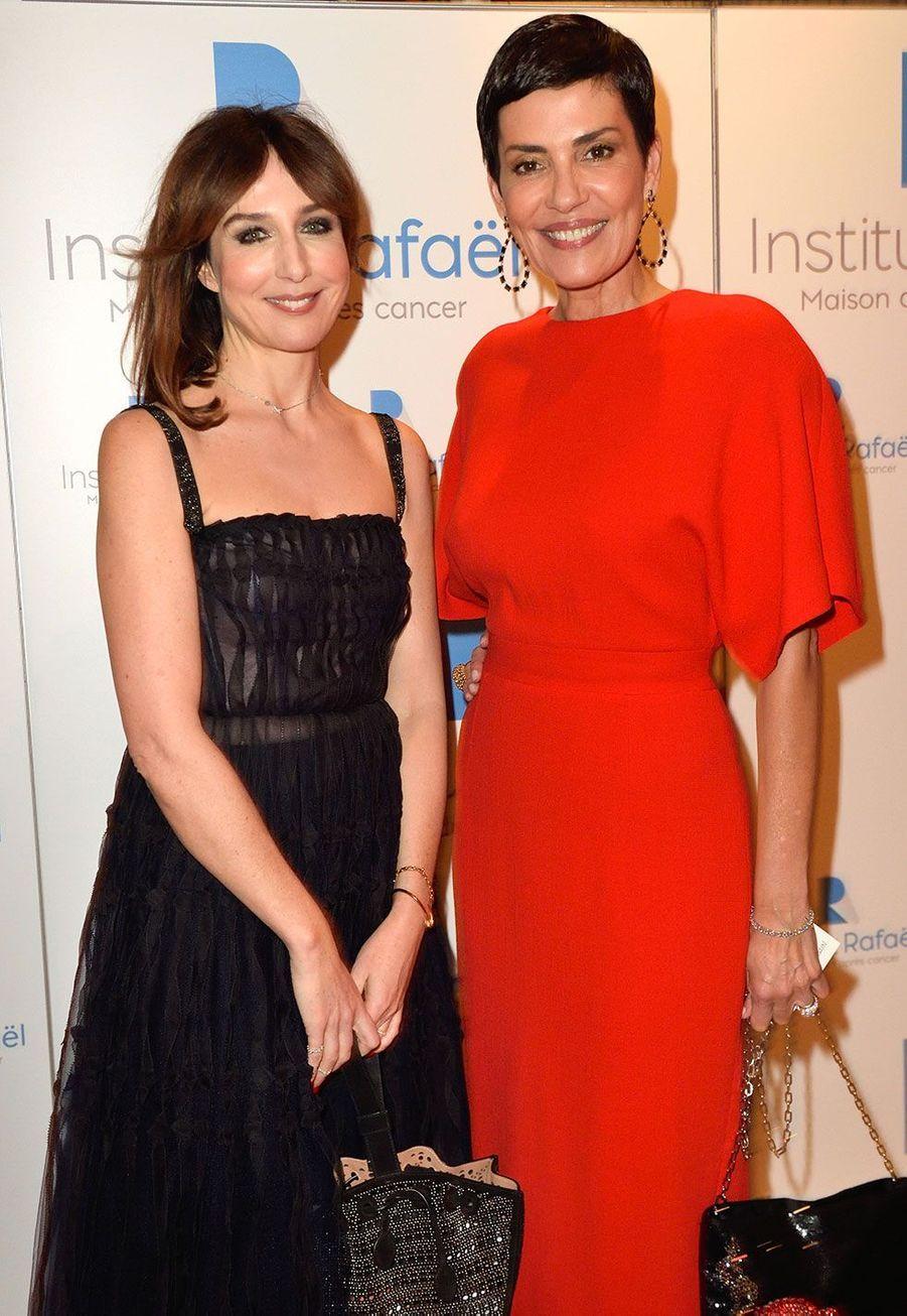 Elsa Zylberstein et Cristina Cordulaà la soirée de gala caritative pour le lancement du futur Institut Rafaël, Maison de l'après Cancer