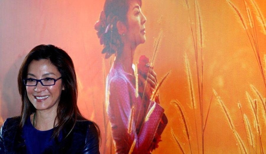 L'actrice Michelle Yeoh, en pleine promotion du film The Lady, dans lequel elle incarne la dissidente birmane Aung San Suu Kyi, à Honk-Kong.