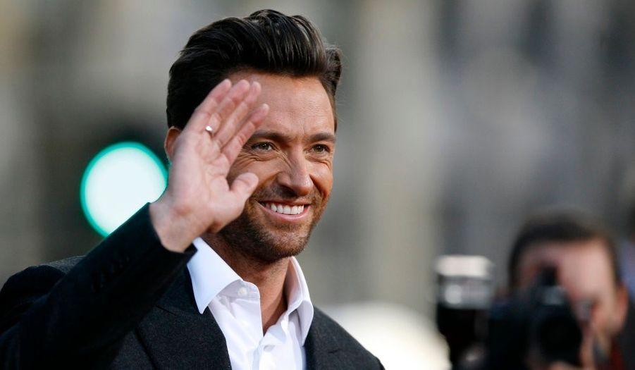 """Selon le National Inquirer, Hugh Jackman- dont le film """"X-men Origins: Wolverine"""" cartonne actuellement en salles - et son épouse Debra-Lee Furness auraient décidé d'adopter un troisième enfant. L'acteur et sa femme ont déjà deux enfants adoptifs : Oscar -huit ans, et Ava -trois ans."""