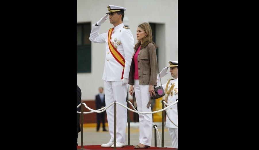 Le prince Felipe et son épouse Letizia célèbrent la St Carmen à l'école navale militaire de Marin, au nord-ouest de l'Espagne.