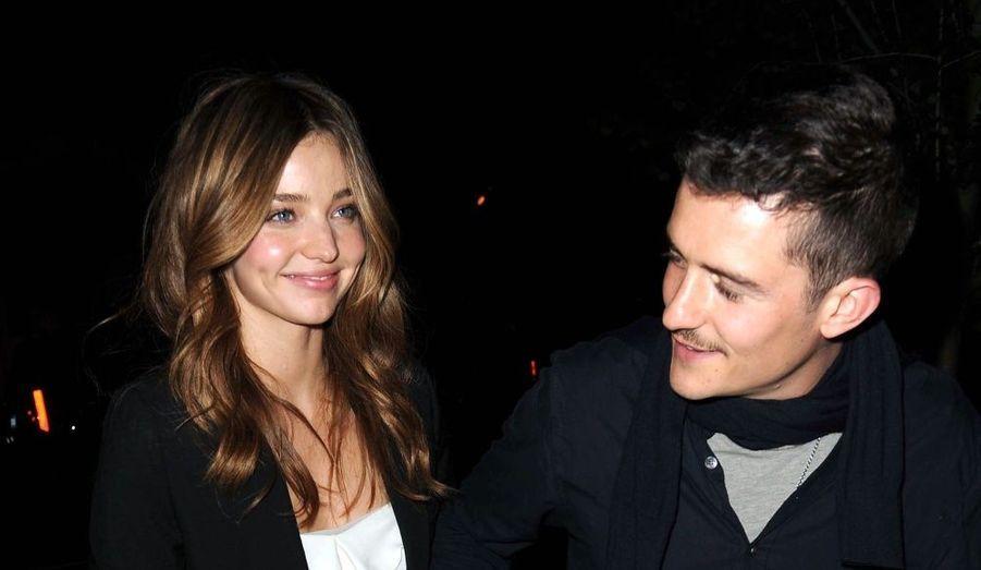 Un mois seulement après leurs fiançailles, l'acteur Orlando Bloom et le top Miranda Kerr se sont officiellement mariés. Le couple serait actuellement en lune de miel.