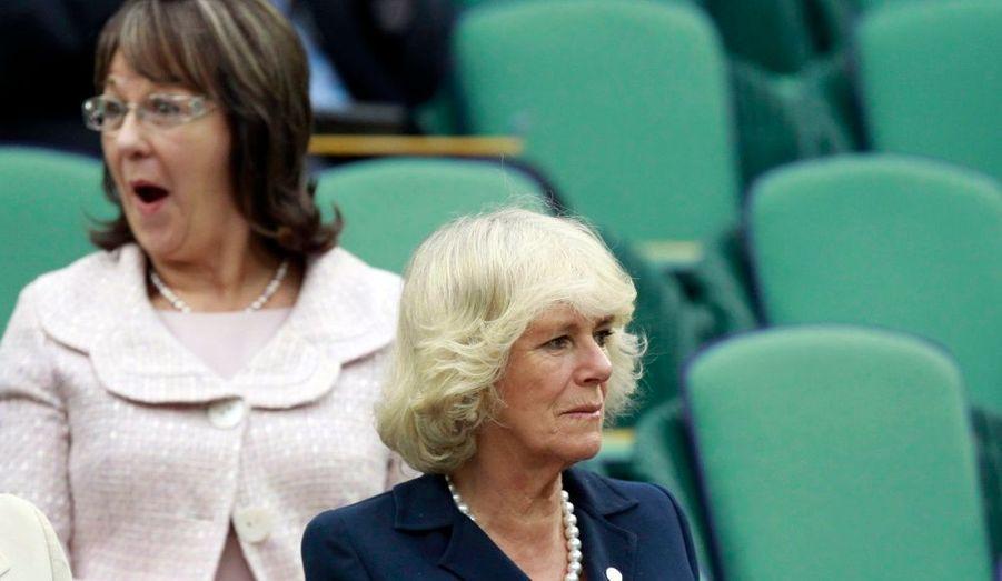 La duchesse de Cornouailles, épouse du prince Charles, a passé la journée d'hier à Wimbledon, sur le court central.