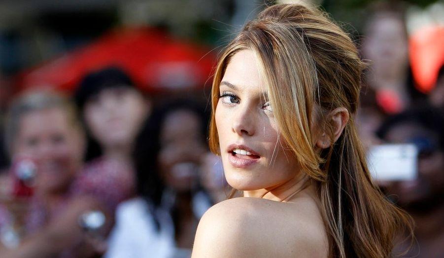 """Ashley Greene (Alice dans le film) à la première de """"Twilight: Hésitation"""" au Nokia theatre lors du Festival du Film de Los Angeles. Le film tant attendu est sorti hier aux États Unis, et sera sur les écrans français le 7 juillet prochain."""