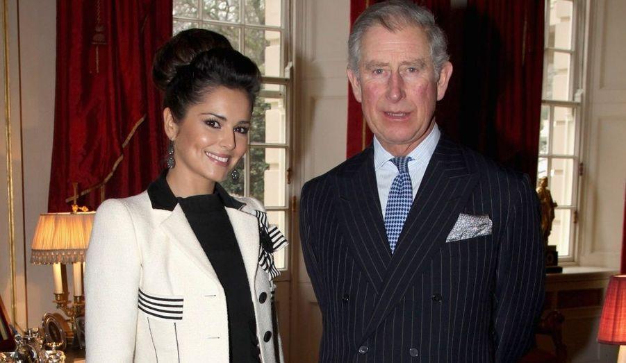 Cheryl Cole a rencontré le prince Charles hier, pour le sensibiliser à la cause qu'elle défend pour aider les adolescents en difficultés. La chanteuse de 27 ans a débuté sa fondation à Clarence House et bénéficie du soutien du prince.
