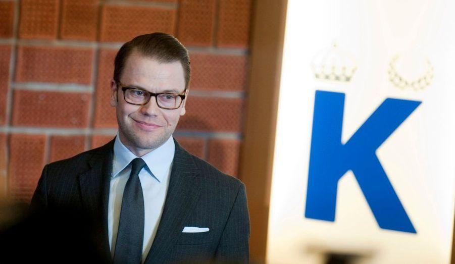 Lors d'une conférence de presse organisée jeudi matin à l'hôpital Karolinska, le prince Daniel, époux de la princesse Victoria de Suède, a annoncé la naissance de leur premier enfant.