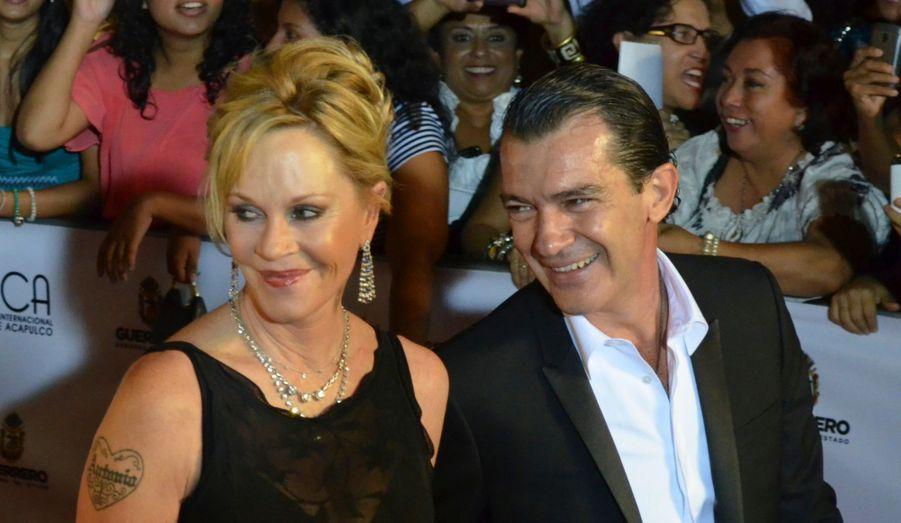 Melanie Griffith et Antonio Banderas arrivent au 8eFestival International Film d'Acapulco.
