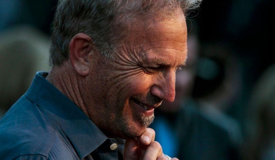 """Kevin Costner, à l'avant-première de la série télévisée """"Hatfields and McCoys"""" aux studios Milk de Los Angeles."""