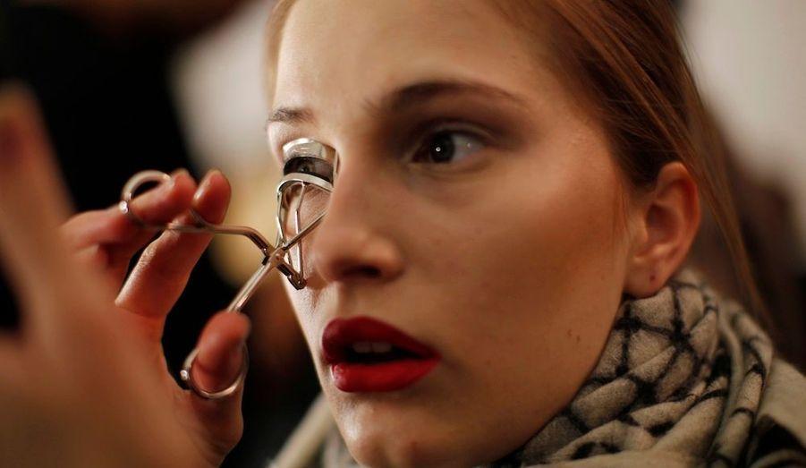 En coulisses de la Fashion Week de New York, avant la présentation de la collection Automne-Hiver 2012-2013 de la marqueMonique Lhillier.