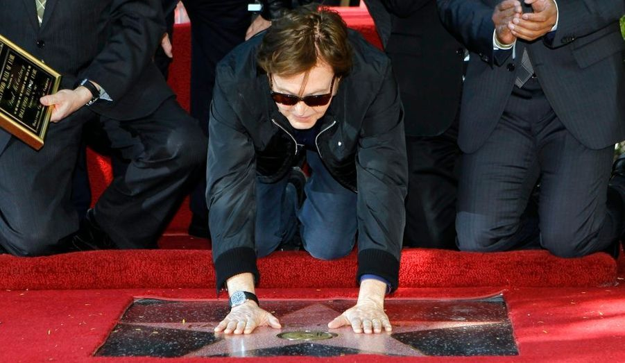 Paul McCartney a inauguré jeudi son étoile sur le célèbre the Walk of Fame d'Hollywood.
