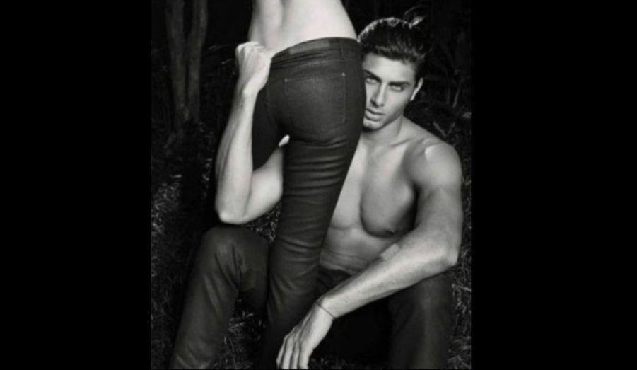 Jesus Luz, le compagnon de Madonna, est l'égérie de la nouvelle collection de la marque Ellus Leather Denim. Il pose, avec la sublime Cintia Dicker pour un campagne ultra-glamour qui aurait de quoi rendre jalouse la star ! Regardez.