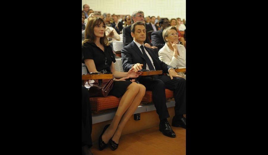 Carla Bruni et Nicolas Sarkozy, lors d'une conférence à l'Indian Space Research Organization, à Bangalore, en Inde.