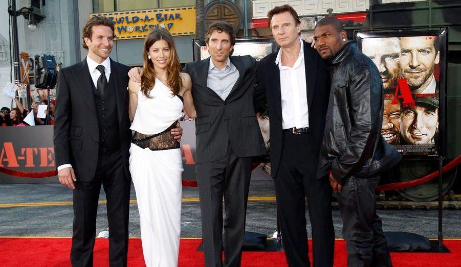 Bradley Cooper, Jessica Biel, Sharlto Copley, Liam Neeson et Quinton Jackson à l'avant-première de l'Agence tous risques, au Mann's Grauman Chinese theatre, à Hollywood.