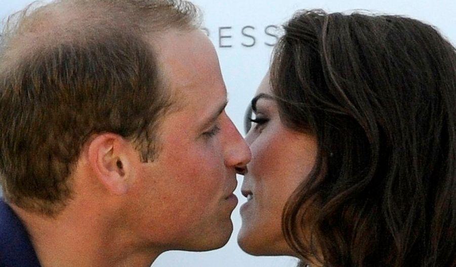 A l'issue d'un match de polo disputé à Santa Barbara, Kate a embrassé son beau prince, pour le plus grand bonheur des photographes.