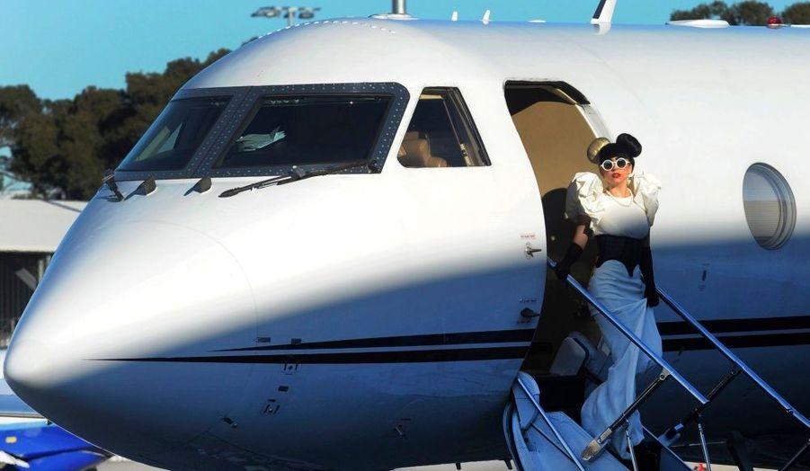 Lady GaGa, à son arrivée à l'aéroport de Sidney, avant l'un de ses concerts.