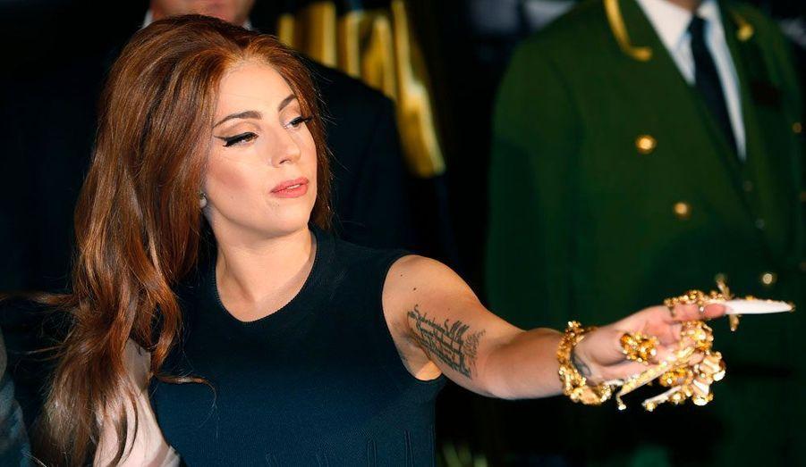 """Lady Gaga était à Londres dimanche afin de promouvoir son parfum """"Fame""""."""