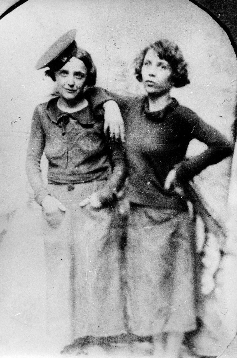 Edith Piaf avec Simone Berteaut en 1930