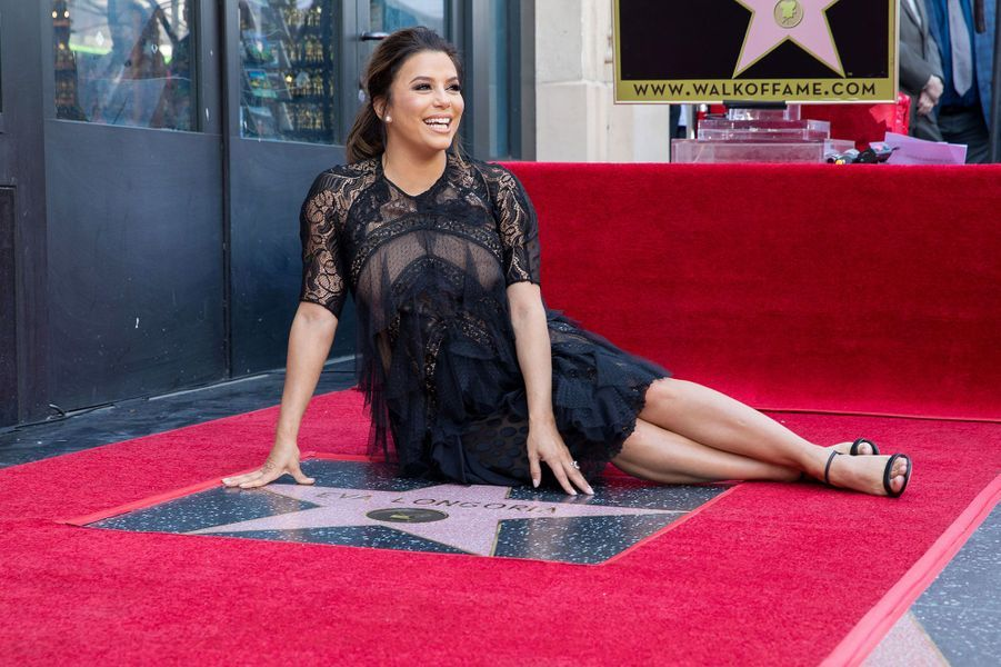 Eva Longoria a reçu son étoile sur Hollywood Boulevard lundi