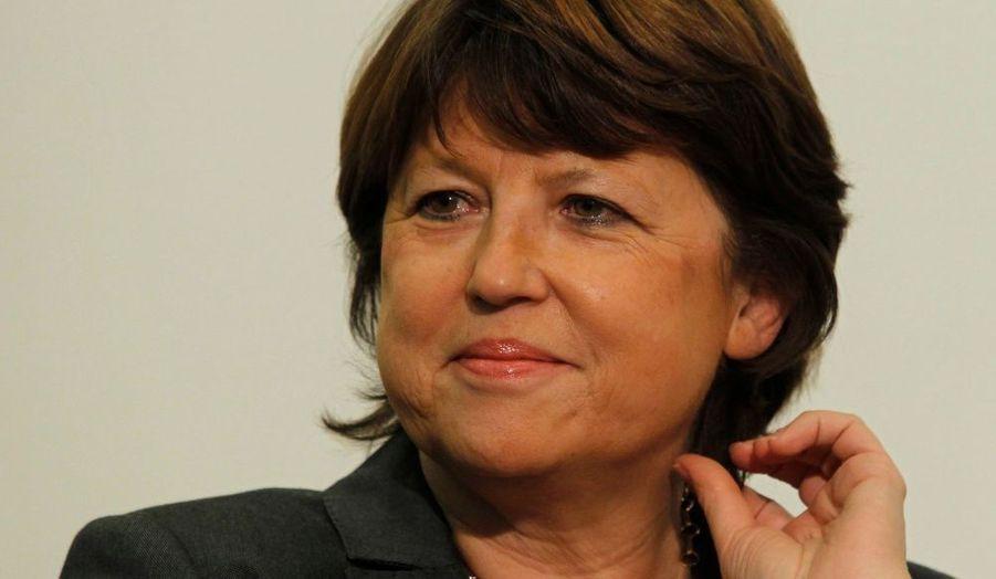 Première secrétaire nationale du Parti socialiste depuis novembre 2008, Martine Aubry a su tenir les rênes d'un parti en proie à de nombreuses querelles. Malgré le revers des élections européennes, le maire de Lille depuis 2001 n'est plus contesté dans son nouveau rôle. Sa popularité est aujourd'hui au beau fixe avec 63% d'opinions favorables selon le dernier sondage Ifop/Paris Match.