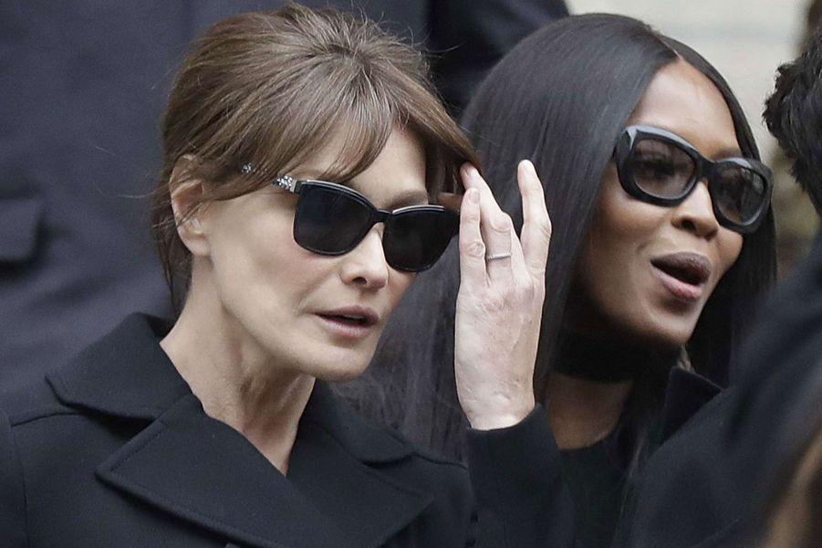 Carla Bruni et Naomi Campbell.